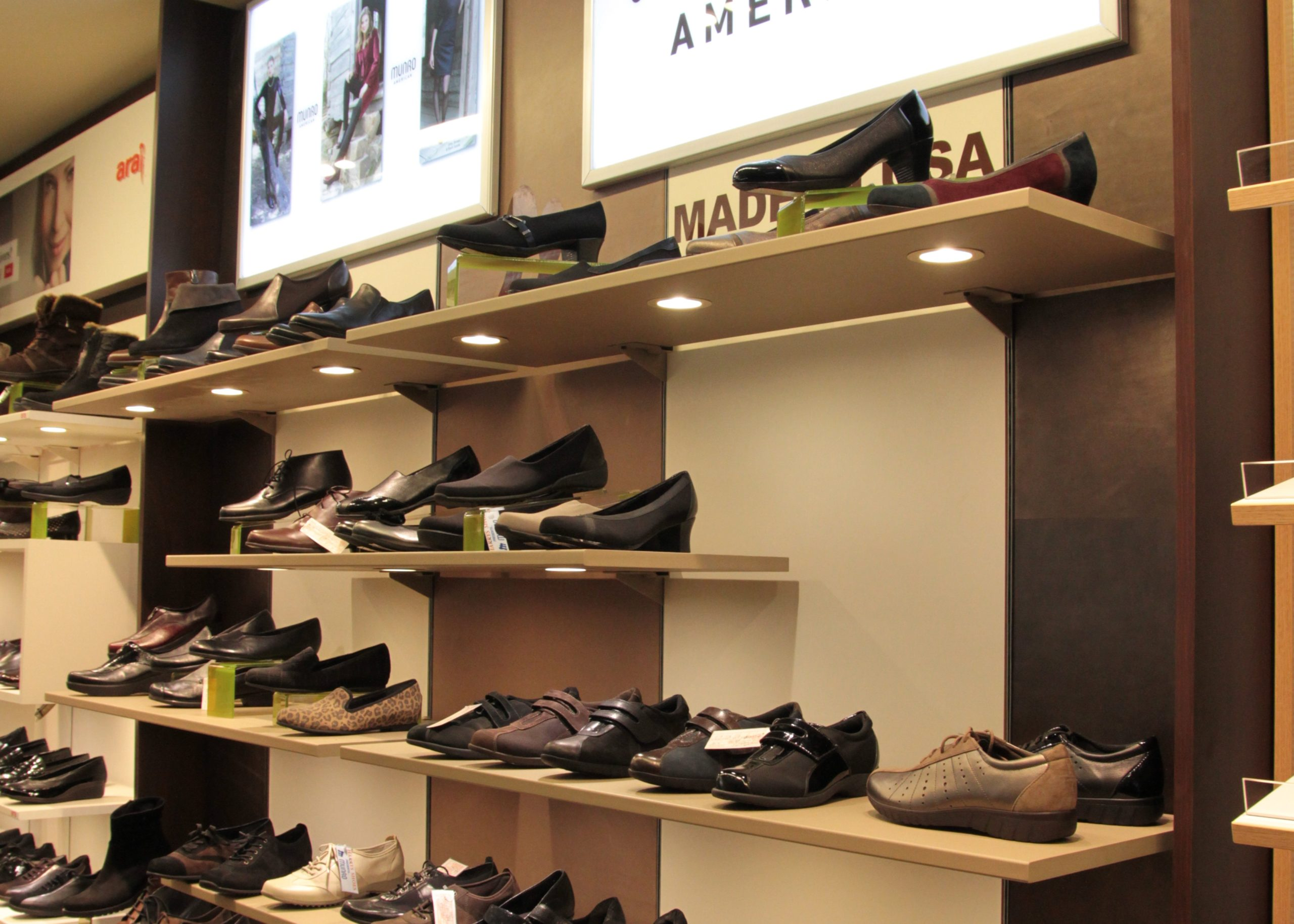 Smartwall, shoe display
