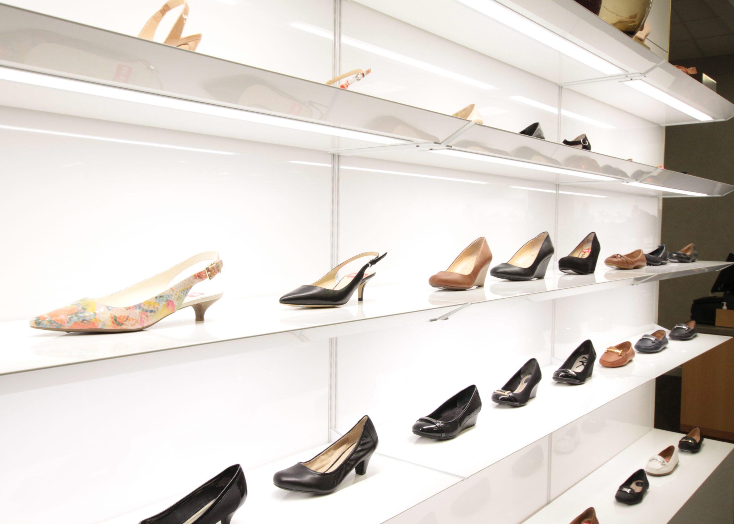 Smartwall, wall display, shoe wall, shoe display